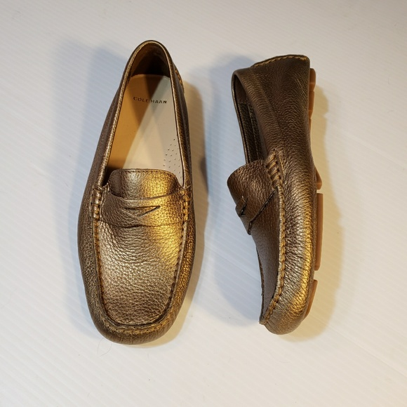 119282ff095 Cole Haan Gold Pebbled Leather Driving Mocs 6.5M